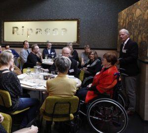 Jan van AMstel spreekt op vrijwilligers lunch MSweb