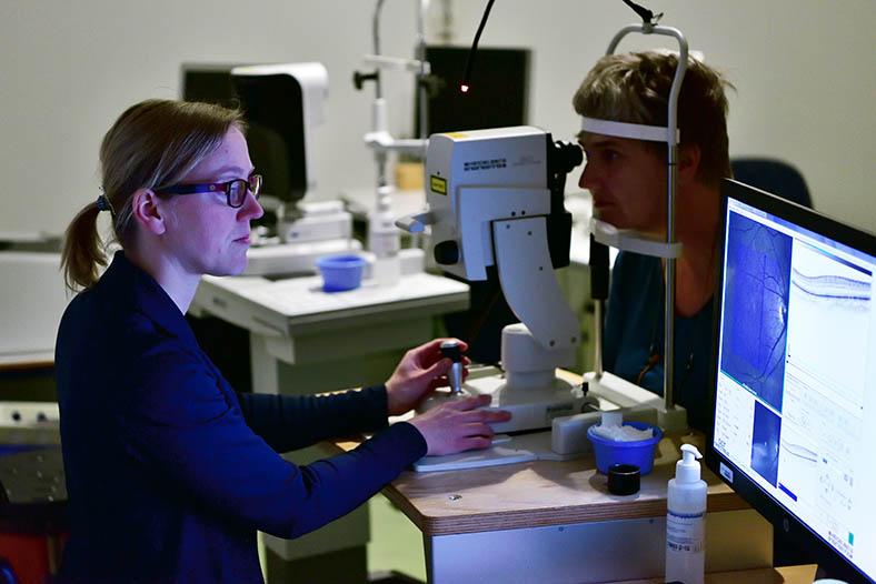 Project Y oogonderzoek bij MS-patiënt