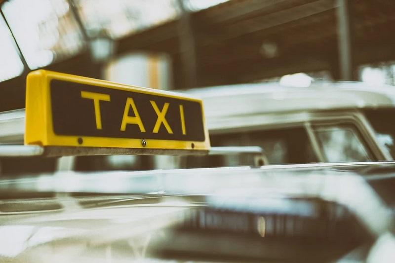 Rijdende rechter over veilig in taxi