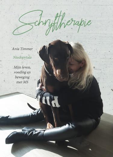 Boek Ania Timmer: 'Schrijftherapie - Mijn leven, voeding en beweging met MS'