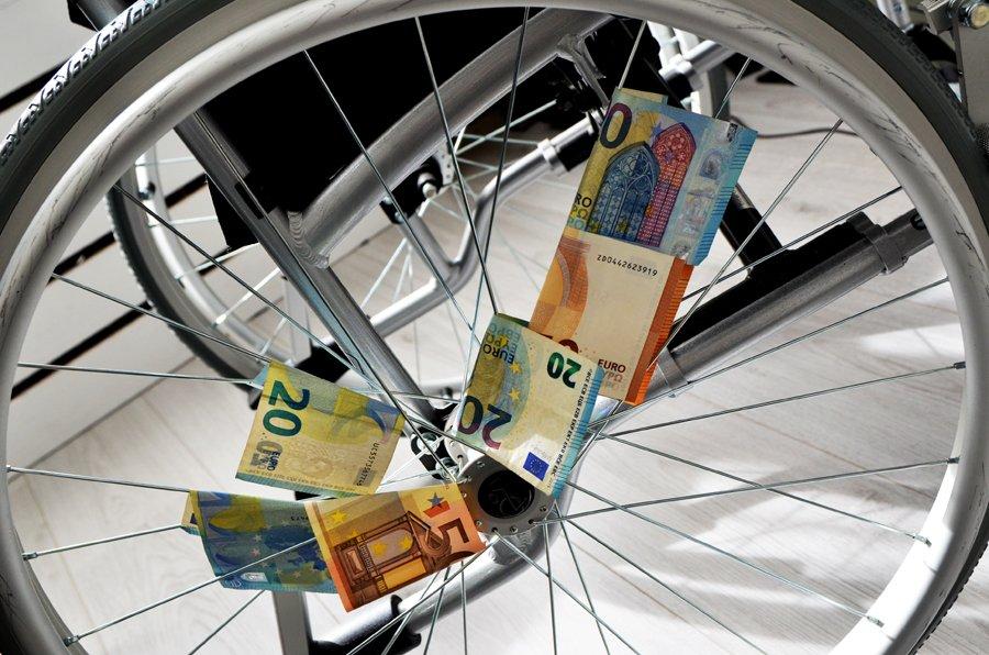 Rolstoel Met Geld